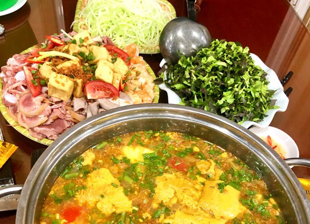 Các món ăn kèm với lẩu cà ra.