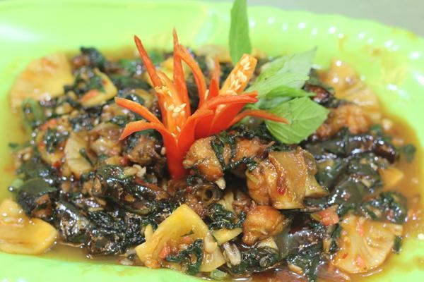 Sam xào chua ngọt là món ăn được thực khách ưa chuộng