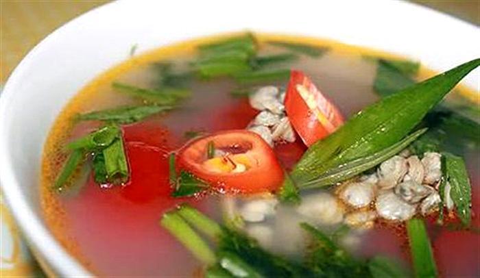 Thưởng thức sam là một thú ẩm thực không thể bỏ qua khi tới Quảng Yên