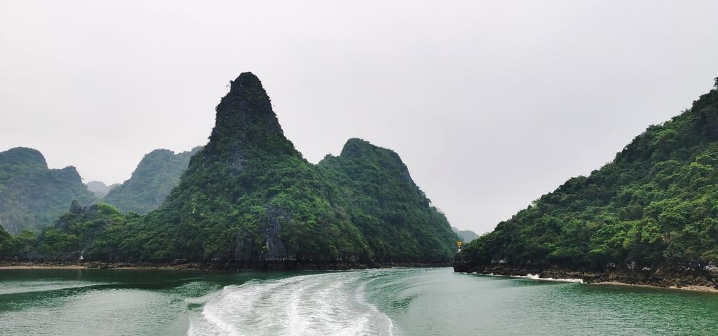 Chiêm ngưỡng vịnh Bái Tử Long đẹp như chốn bồng lai, tiên cảnh - ảnh 3
